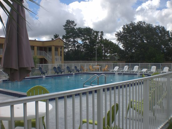Pool - Picture of Executive Garden Hotel, Titusville - Tripadvisor