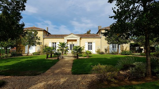 Neac, France: Front view of Chateau Belles Graves