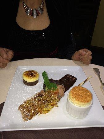 Montmorillon, Fransa: assortiment de desserts