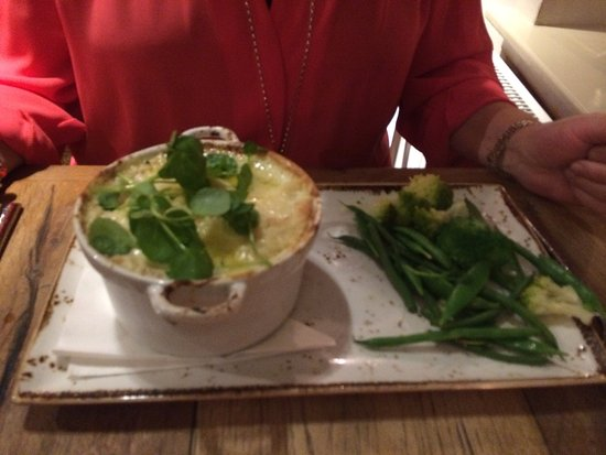 Newton on the Moor, UK: Midweek meal in October. Some staff changes since our last visit a year ago but still excellent-