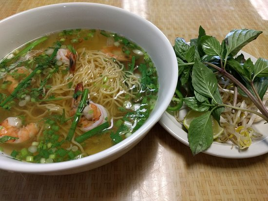 Woodstock, Géorgie : Shrimp with egg noodles