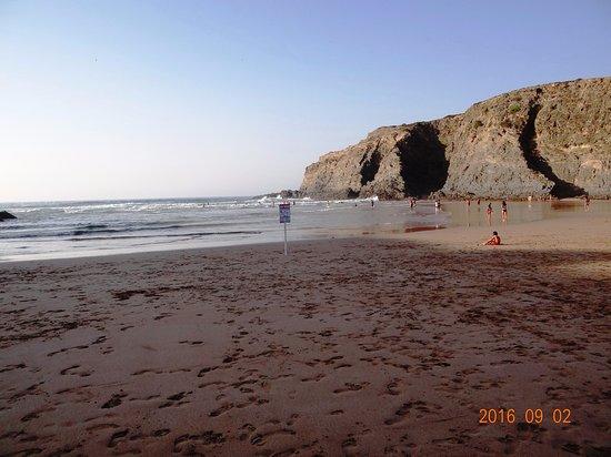 Sao Teotonio, Portugal: Der schöne Strand