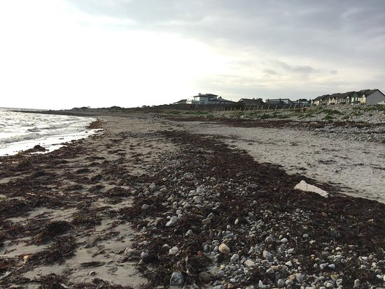 Barna, Ирландия: La spiaggia a fianco del ristorante