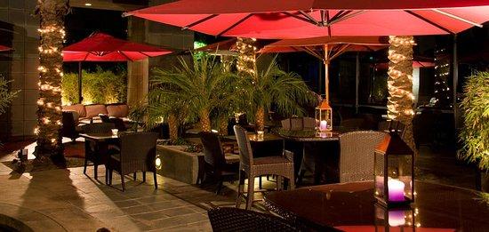 Bistango Restaurant: Bistango's beautiful outdoor patio
