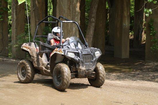 Attica, IN: Ace 325 All Muddy