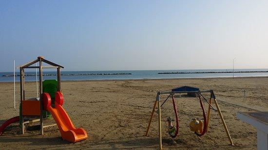 Riviera Mare Beach Life: 20161030_082941_large.jpg