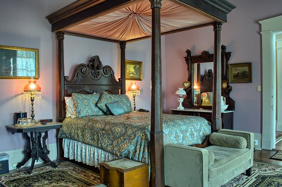 The Master Bedroom Suite - Picture of The Corners Mansion ...