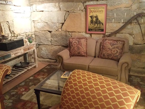 The York House Inn: Downstairs sitting area in the main cabin