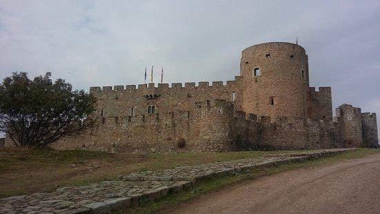 Castillo de La Adrada: Castillo muy reconstruido