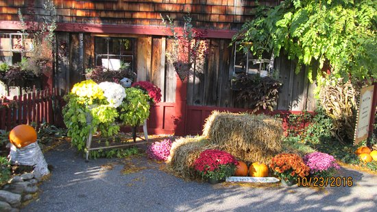 Mason, NH: Pickity Place in the Fall