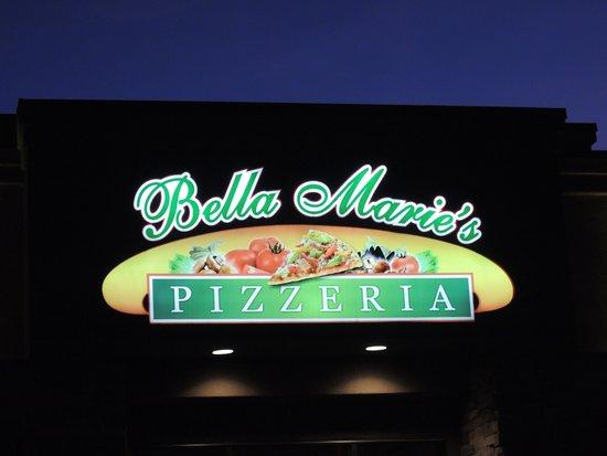 Bella Marie's Pizzeria: Signage