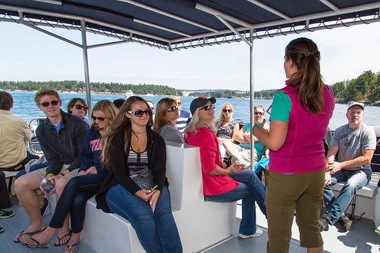 San Juan Islands, WA: Marine naturalists on every tour - knowledgeable, fun, and engaging!