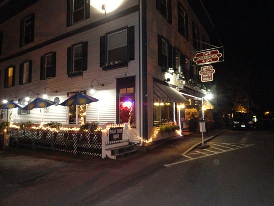 Southwest Harbor, ME: Cafe Dry Dock & Inn