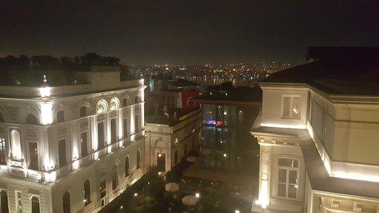 Pera Rose Hotel: 20161030_221220_large.jpg
