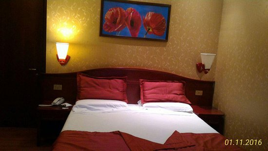 Hotel Impero: room 138. quiet room, it has internal court view, the bed is very confortable.