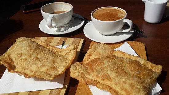 Ormond, Australia: Pastel and coffee