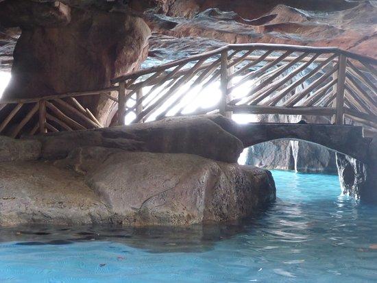 Hyatt Regency Maui Grotto Bar Lahaina All You Need To