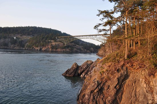 Oak Harbor, WA: View of the bridge from the Park.