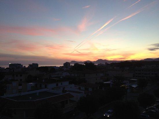 Ilusion Markus & Spa: Sunrise over the sea is too good to miss