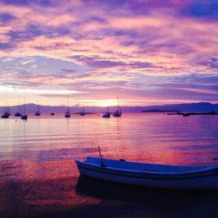 979d2585c7e65 Pôr do sol cor de rosa, em Santo Antônio. - Foto de Santo Antônio de ...