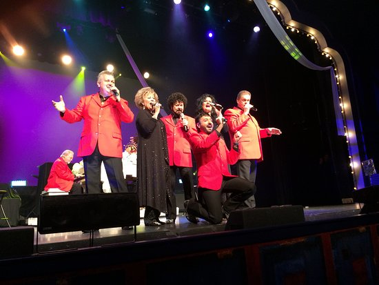 Branson, MO: The Blackwoods Singing Their Hearts Out!