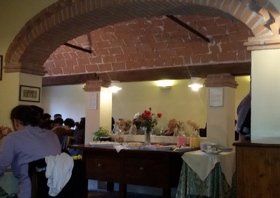 Agriturismo La Bisana : Buffet dei dolci...