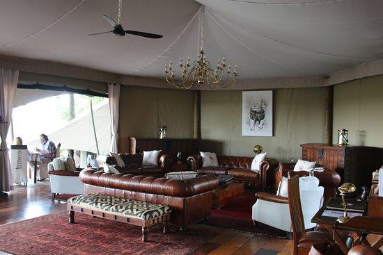 Mara Plains Camp: Main area