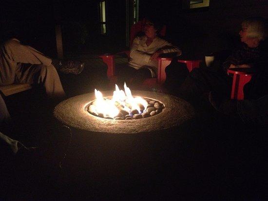 Wiarton, Canadá: Fire Pit on rear deck
