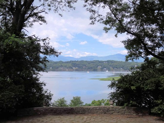 Germantown, Νέα Υόρκη: View from the front door of Clermont - best view on the Hudson!