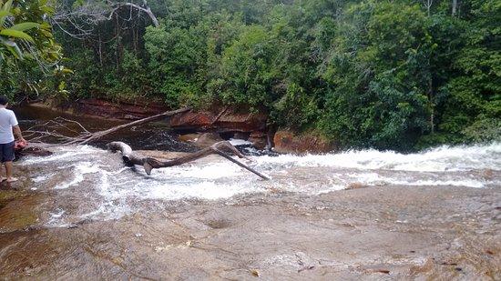 Presidente Figueiredo, AM: Início da queda da Cachoeira do Mutum