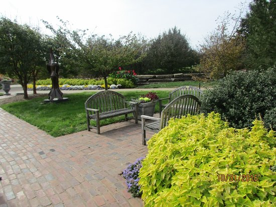 Overland Park Arboretum and Botanical Gardens: you can find so many areas for sitting and relaxing and enjoy the surroundings