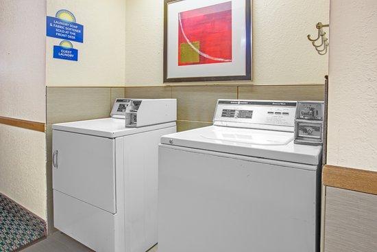 Le Roy, IL: Guest Laundry