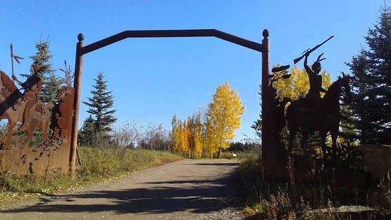 De Winton, Canadá: Entrada