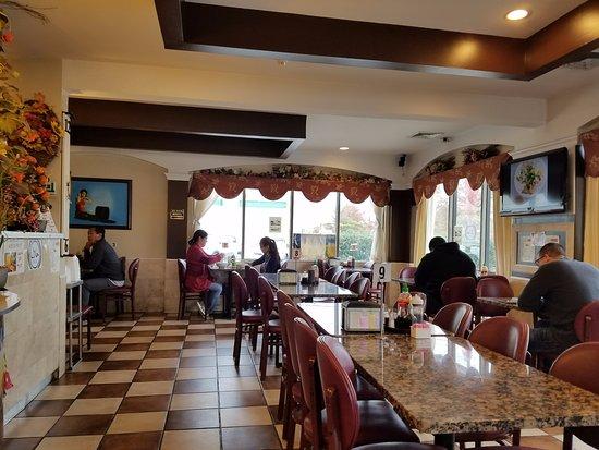 Saigon CIty Restaurant dining area