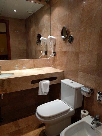 Hotel Acta Splendid: IMG_20161003_230314_large.jpg