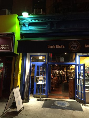 Uncle Nick's : Street view of the restaurant
