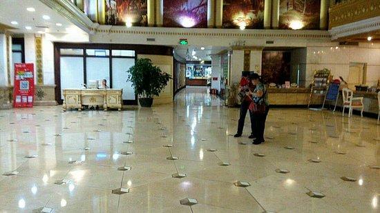 Lizhou Holiday Hotel: mmexport1477997252755_large.jpg