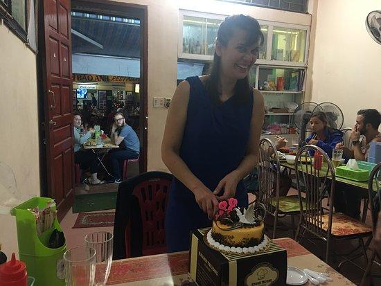 Trung Tuyet Restaurant Happy Birthday Gift