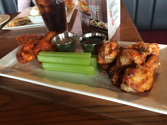 Doncaster, Australia: Food was great! Good atmosphere, good music too. The buffalo wings are to die for, im getting hu