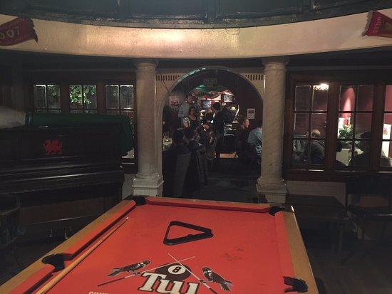 The Welsh Dragon Bar: Pool room