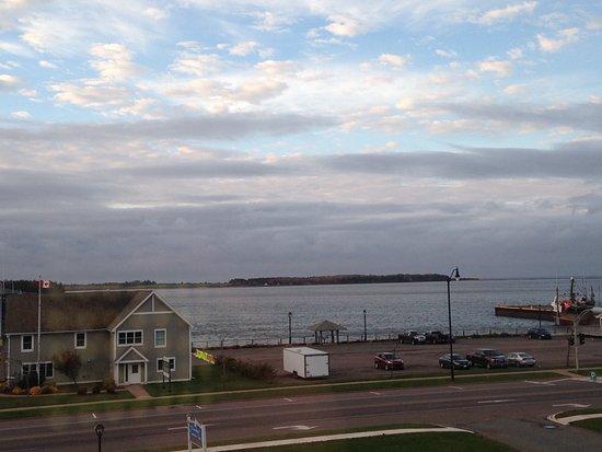 Loyalist Lakeview Resort Summerside: Nice waterfront views