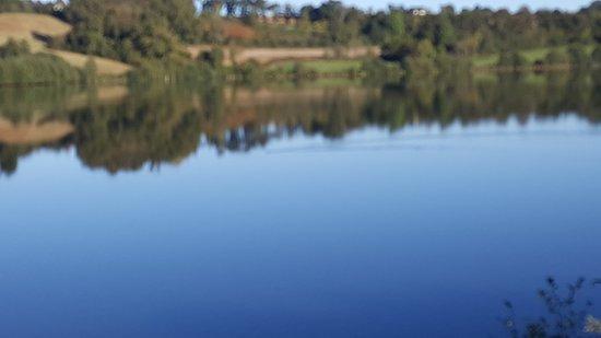 Lourenties, Frankrike: Manque d'eau sauf sur le petit lac