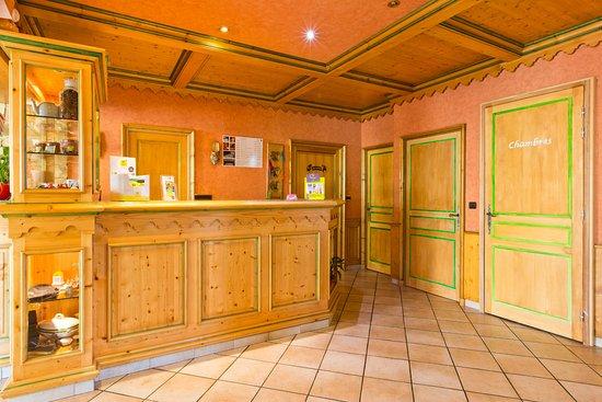 Mieussy, France: reception