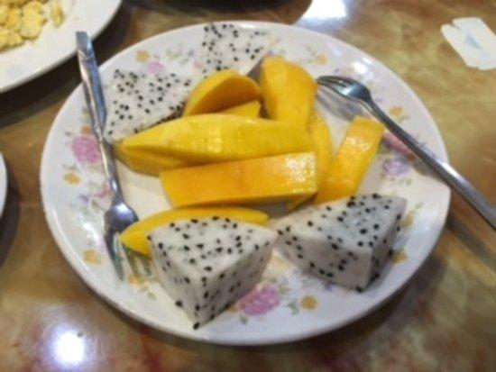 Hanoi Street Hotel: 最後にフルーツも付いてきます!