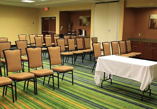 Fairfield Inn & Suites Denton: Meeting Room