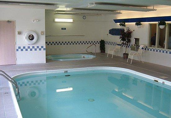 Fairfield Inn & Suites Billings: Indoor Pool & Hot Tub