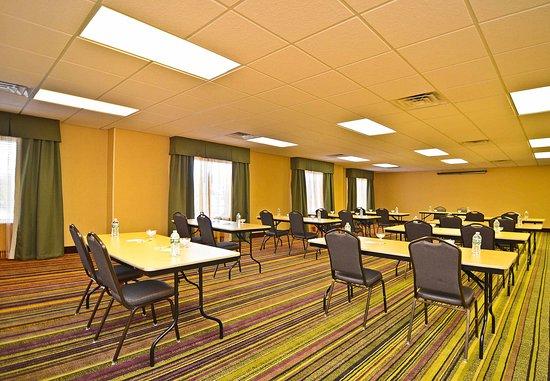 Fairfield Inn & Suites Boone: Meeting Room