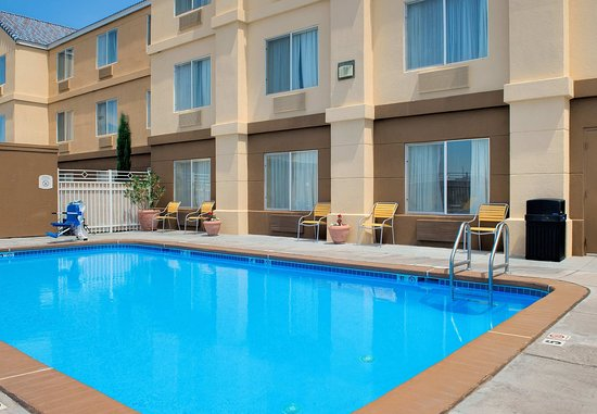 Fairfield Inn Las Cruces: Outdoor Pool