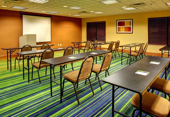 ‪‪Fairfield Inn & Suites Asheville South/Biltmore Square‬: Conference Room – Classroom Setup‬