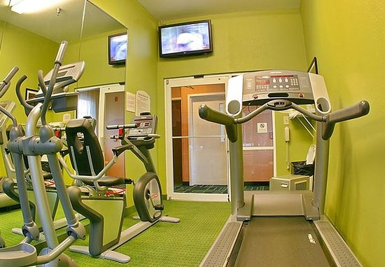 Fairfield Inn & Suites Brunswick: Fitness Center